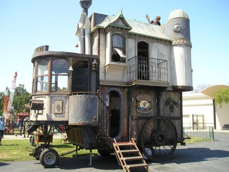 стимпанковский дом на колесах