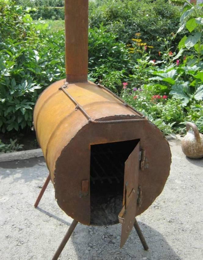 Печка из железной металлической бочки