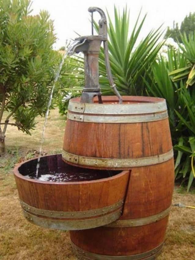 Водопад, мини пруд, фонтан из бочек на даче