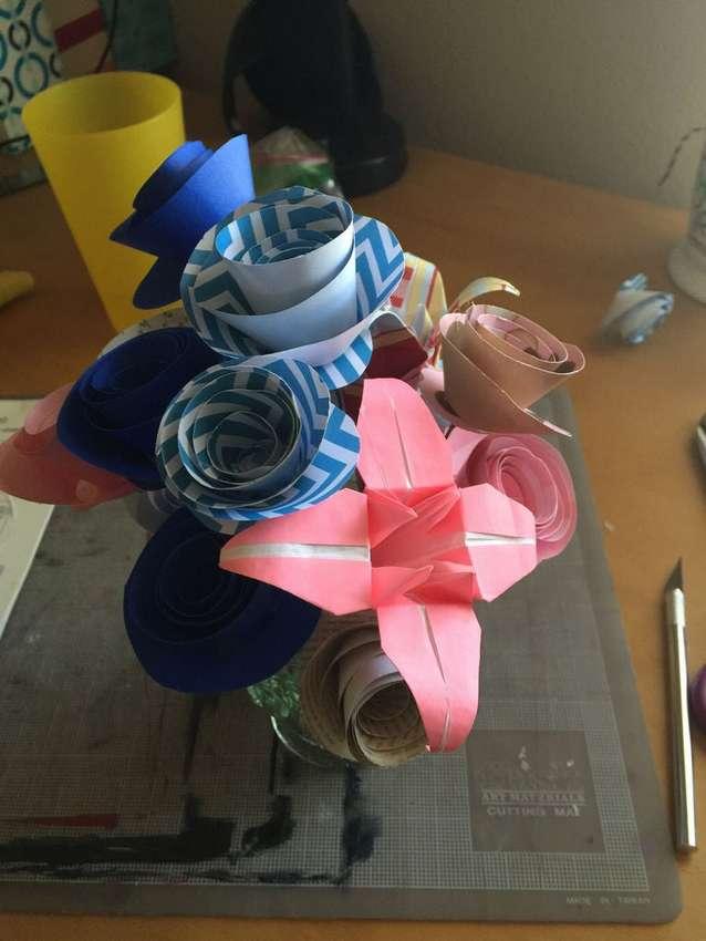 цветы из цветной бумаги поэтапно