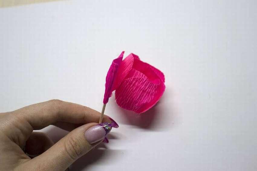розочки из цветной бумаги с помощью зубочистки хорошему для прогулки