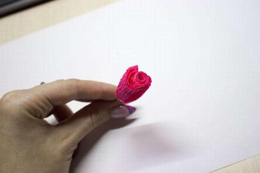 розочки из цветной бумаги с помощью зубочистки зимние