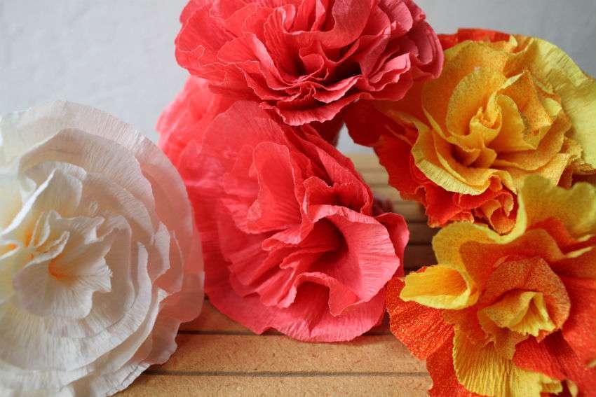 цветы из крепированной бумаги с пошаговыми фото