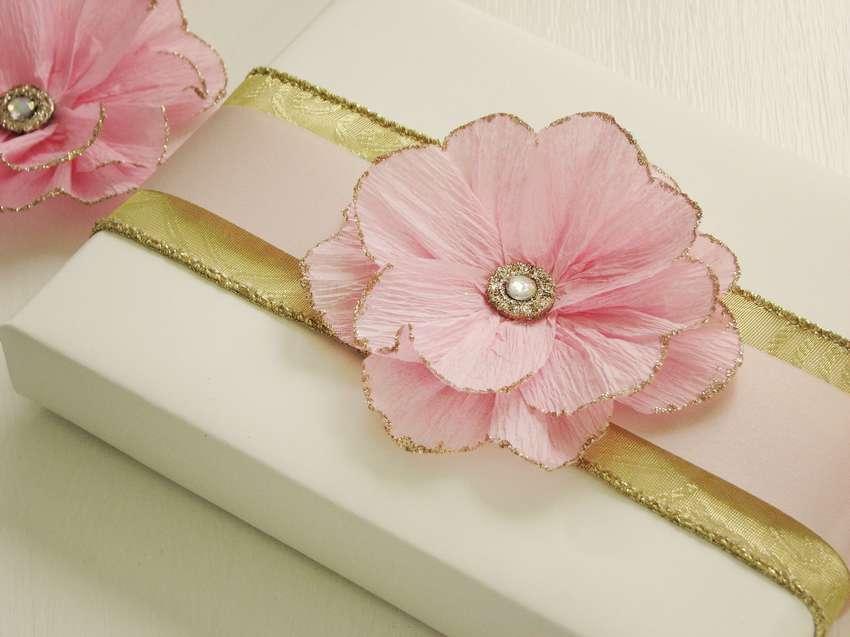 как сделать красивый цветок из гофрированной бумаги