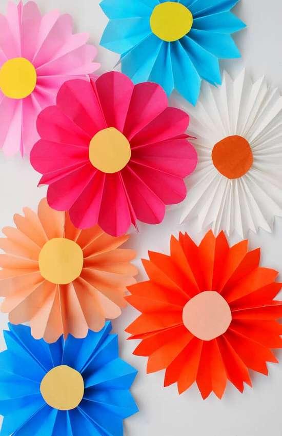 как сделать цветы из бумаги самый простой способ