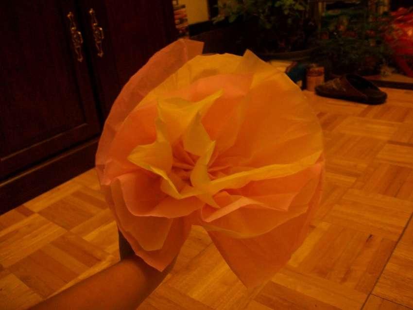 как сделать объемный цветок из салфеток