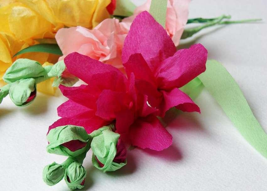 как сделать объемный цветок из гофрированной бумаги