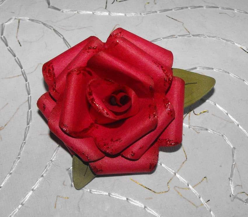 как сделать розу из бумаги пошагово