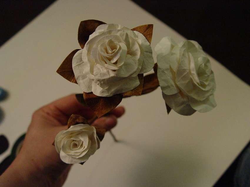 простой способ сделать розу из бумаги