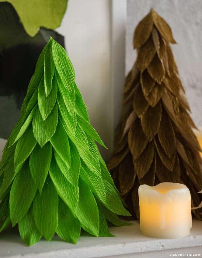 елка из крепированной бумаги