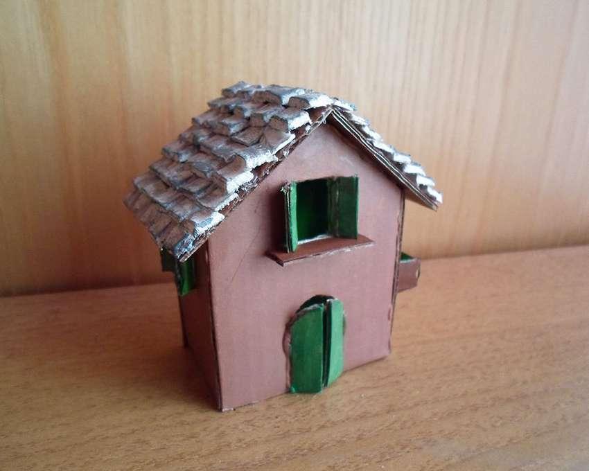 маленький домик из бумаги