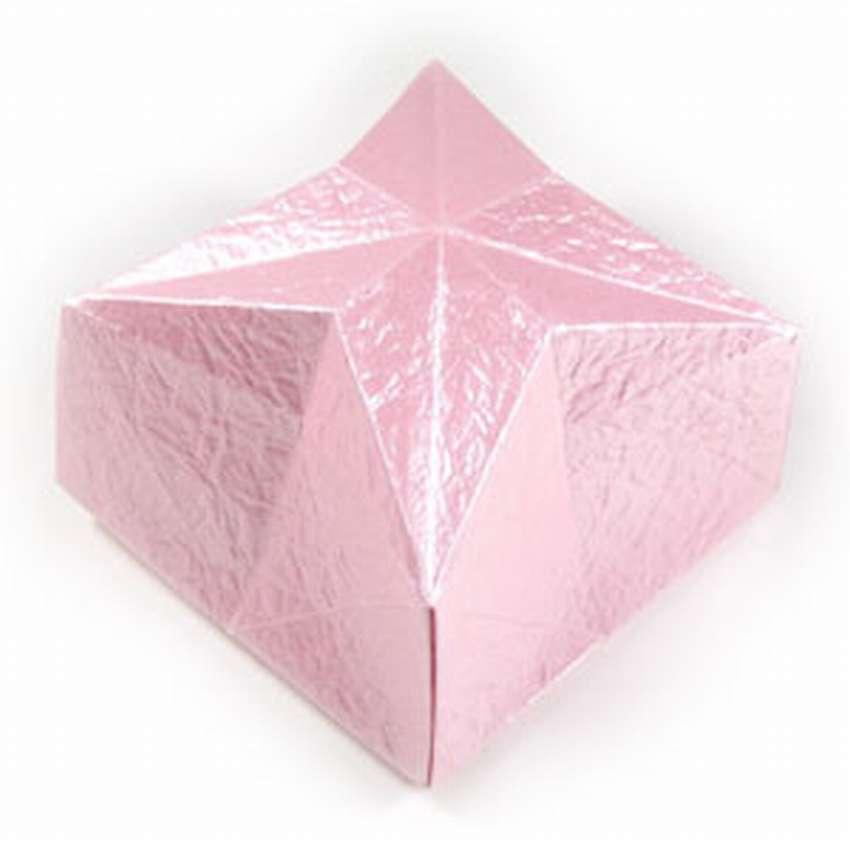 закрытая коробку оригами для конфет