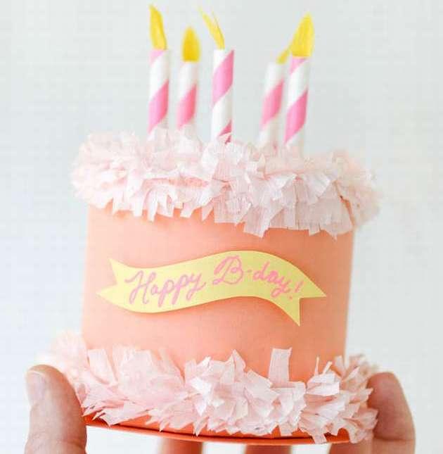 коробка из бумаги для торта