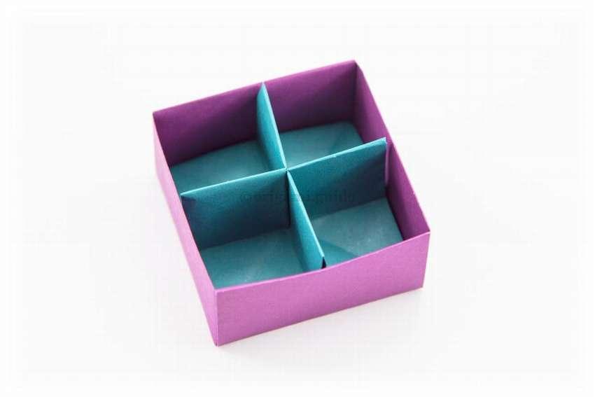 коробка из бумаги с ячейками