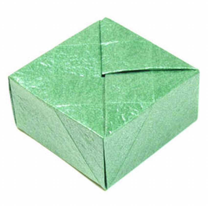 как сделать закрытую квадратную коробку оригами из бумаги