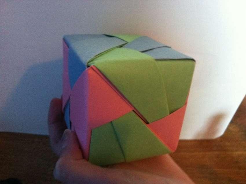 кубик оригами из бумаги