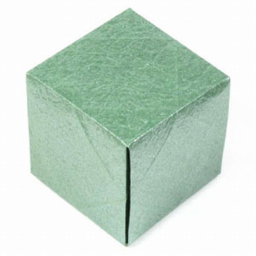 простой куб из бумаги