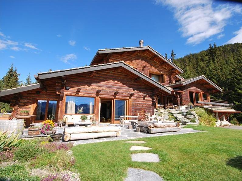 дом в альпах швейцария фото