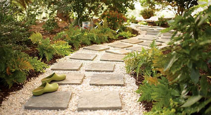 Садовая дорожка из камня и гравия своими руками
