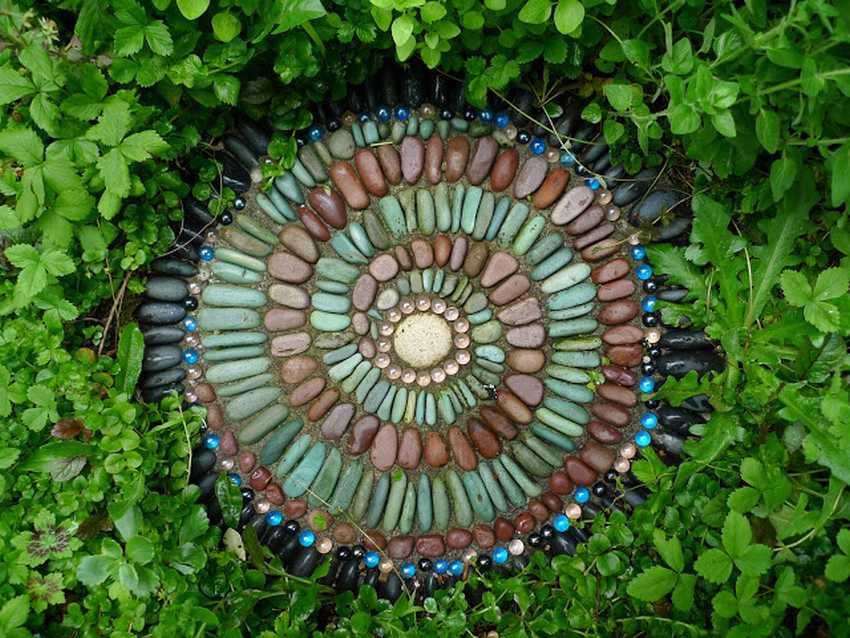 Мозаика из гальки от Джеффри Бейла