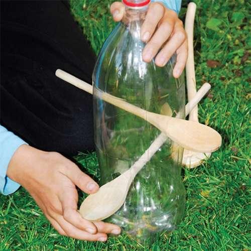 ake12_thumb Кормушка для птиц из пластиковой бутылки