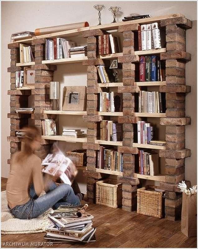 Книжная Полка из кирпичей и досок