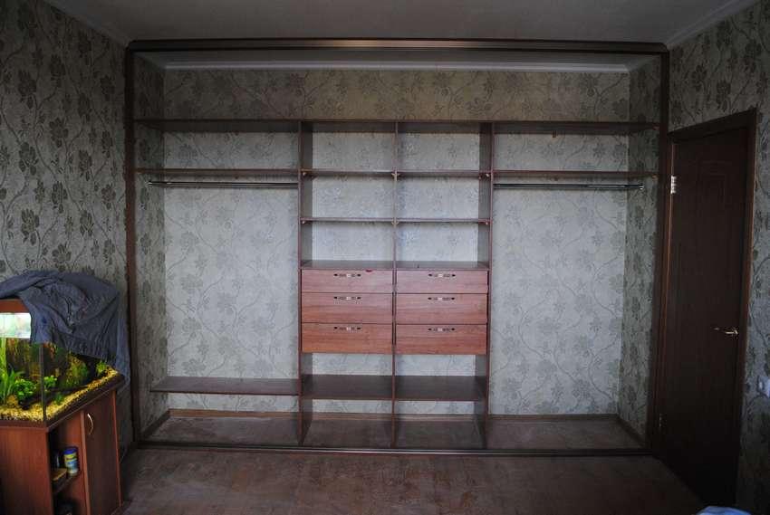 Встроенные угловые шкафы купе в гостиную фото тип съемки