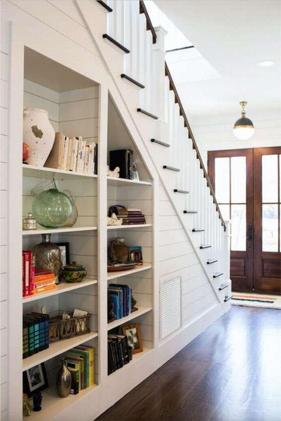 большинства удобное хранение обуви под лестницей картинки имеет