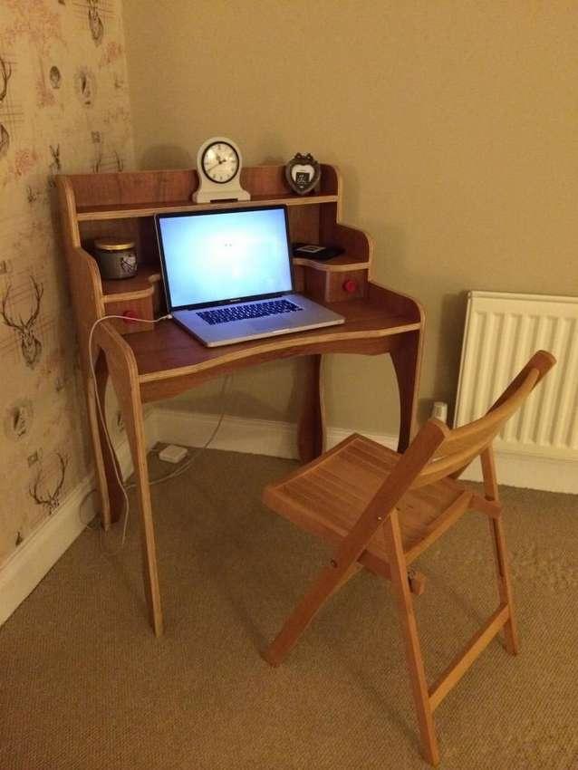 ретро столик для ноутбука