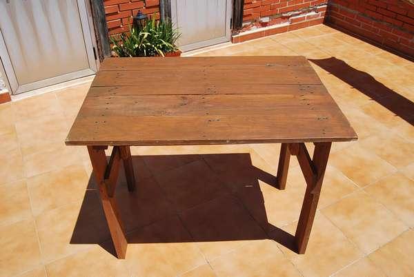 стол из поддонов для дачи