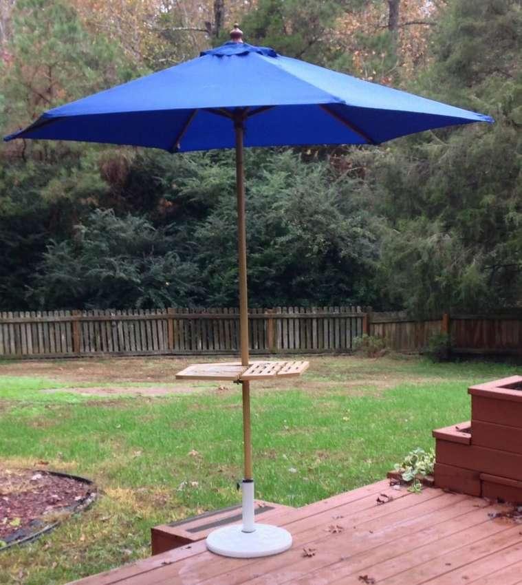 складной столик с зонтом