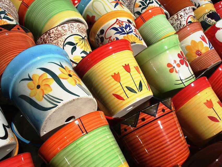 Керамические горшки с ручной росписью
